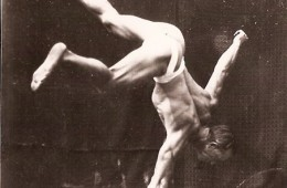 ARTHUR LEE ONE ARM HAND STAND